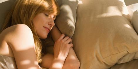 Što se događa s kožom dok spavamo?