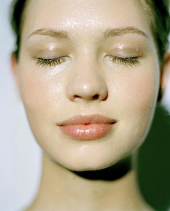 Kako najbolje hidratizirati osjetljivu isušenu kožu?